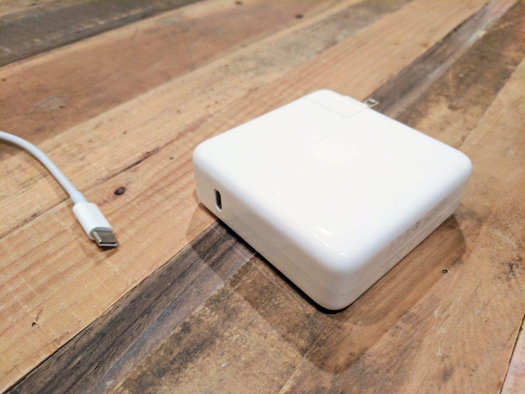 15 Best USB-C Accessories for MacBook Pro - TechieIO com