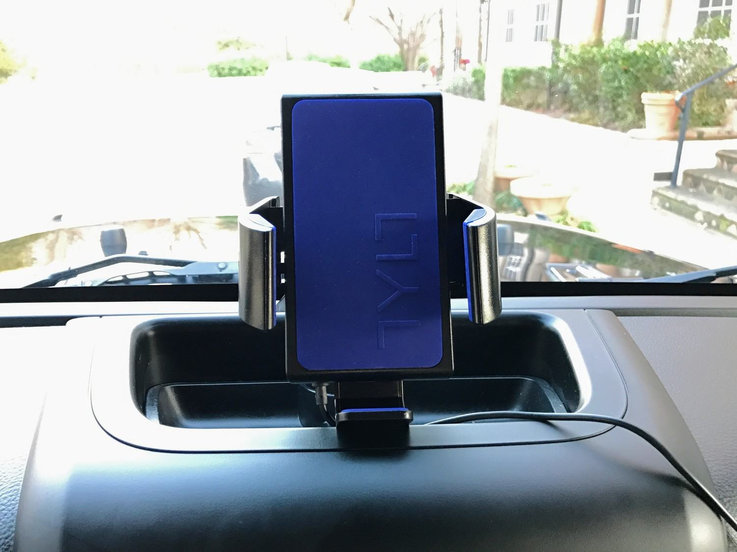 Best Wireless Charger for Jeeps