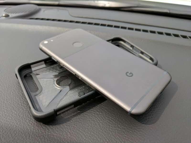the best attitude 93f92 63ff5 UAG - Pixel and Pixel XL Plasma Case Review - TechieIO.com
